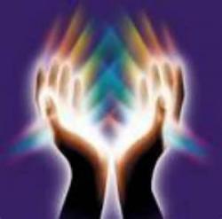mains-lumineuses-1.jpg